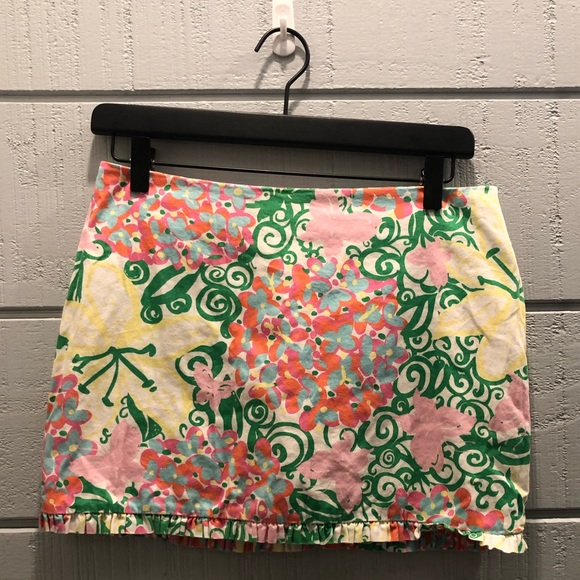 Lilly Pulitzer Dresses & Skirts - Lilly Pulitzer floral ruffle edge mini skirt